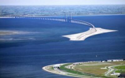 Neuveriteľný most medzi Dánskom a Švédskom, ktorý vedie nad aj pod zemou