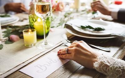 Nevěsta se zlomeným srdcem udělala štědré gesto. Svatbu zrušila, ale na hostinu za 700 tisíc korun pozvala bezdomovce