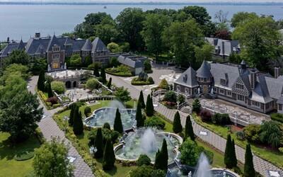 Newyorské sídlo za 100 milionů dolarů láká na vlastní tenisové kurty, molo nebo přenádherné zahrady