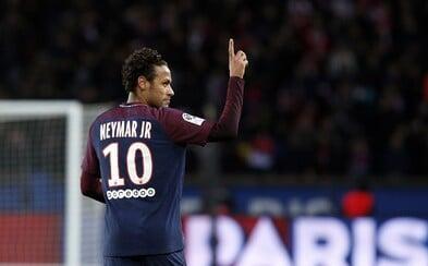 Neymar môže odísť, sme v kontakte s Barcelonou, povedal športový riaditeľ PSG. Brazílčan neprišiel ani na predsezónnu prípravu