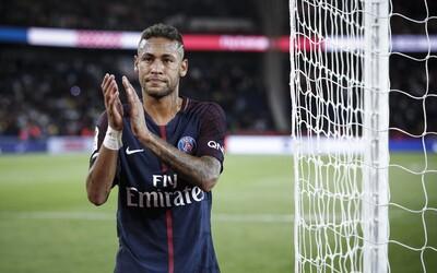 Neymar robí, čo môže, aby nemusel hrať za PSG. Zaplatí 20 miliónov dolárov, ak sa bude môcť vrátiť do FC Barcelona