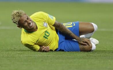 Neymar sa na MS váľal po zemi už celých 14 minút. Žiadneho hráča však nefaulovali toľkokrát, čo brazílsku hviezdu