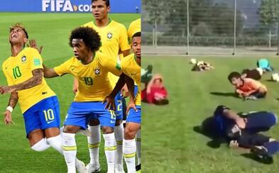 Neymar svojimi simuláciami zabáva celý internet. Uťahujú si z neho aj deti, pre ktoré určite nie je správnym vzorom