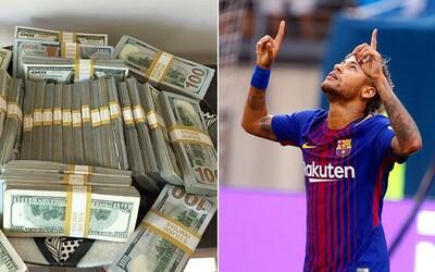 Neymar v PSG za hodinu zarobí viac ako mnohí Slováci za pol roka. Vďaka štedrej zmluve s Parížanmi sa bude topiť v peniazoch