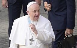 Nezaočkovaní sa k pápežovi nedostanú. NCZI bude overovať, či ľudia, ktorí sa na stretnutie prihlásili, naozaj dostali vakcínu