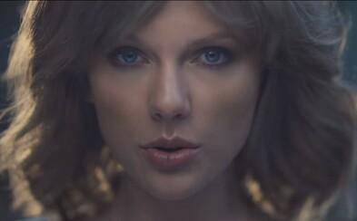 Nežná Taylor Swift uteká z lesa plného nástrah vo videoklipe na skladbu z jej úspešného 1989