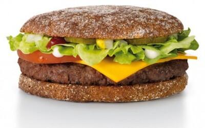 Nezvyčajné jedlá, ktoré si môžeš vychutnať v niektorých prevádzkach McDonald's