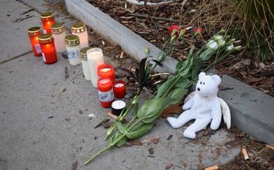 Nezvykle tichá Ostrava. Prosluněné město tiše truchlilo za oběti masakru ve fakultní nemocnici