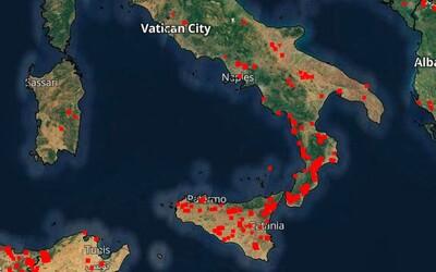 Ničivé požiare trápia čoraz viac aj Taliansko. Pribúdajú škody aj obete