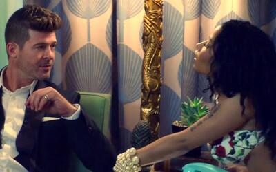 Nicki Minaj twerkuje v pohodovém letním klipu Robina Thickeho, který vás zaručeně dostane do pohybu
