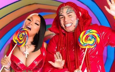 Nicki Minaj ukazuje viac, než by bolo zdravé a 6ix9ine tancuje s peniazmi. Vo videoklipe Trolujú všetkých, ktorí ich nemajú radi