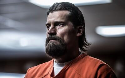 Nicolaj Coster-Waldau ukazuje svoj herecký talent v prekvapivo našľapanej dráme z väzenského prostredia Shot Caller (Tip na film)