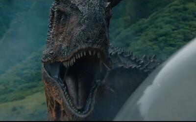 Niečo sa blíži! Jurassic World: Fallen Kingdom prichádza s ďalšou lákavou upútavkou, ktorá vnadí na napínavú jazdu