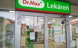 Niektoré lekárne už zatvárajú, lekárnici apelujú na ľudí, aby si prestali kvôli koronavírusu robiť zbytočne veľké zásoby liekov