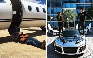 Nejen děti, ale i bohatí rodiče mají svůj Instagram. Je plný letadel, nemovitostí a zejména hříšné drahých aut