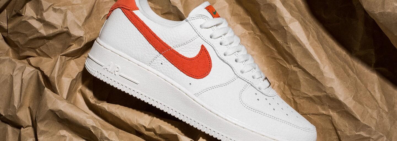 Nike Air Force 1, ale taktiež klasika od Converse. Po akých teniskách s cenovkou do 120 eur sa oplatí siahnuť?