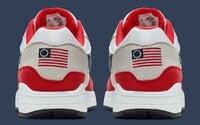 Nike čelí škandálu. Po kritike sťahuje z ponuky tenisky s vlajkou používanou americkými nacistami