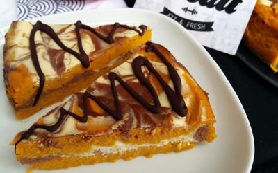 Nízkokalorický tříbarevný cheesecake s množstvím bílkovin si zamiluješ (Recept)