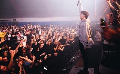 NobodyListen dostal na desátý Addict 3500 lidí. V přeplněné sportovní hale přepisoval historii a my jsme byli u toho