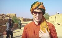 Noc na púšti pri Pakistane. Jimmy Pé s priateľkou prekročili hranice komfortnej zóny