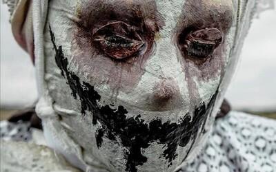 Noční děs: Pláč, výkřiky a zděšená tvář. I když se zdá, že tvůj blízký zažívá nepopsatelné hrůzy, nesmíš ho probudit