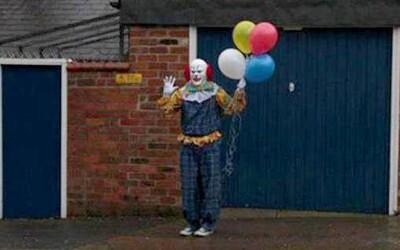 Noční můra v podobě klaunů v ulicích měst