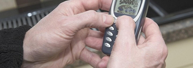 Nokia 3310 prežila jeho vojenské misie v Iraku či Afganistane a aj dnes ju treba nabiť len raz za 10 dní. Dave by ju za nič nevymenil