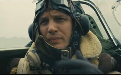 Nolanov Dunkirk posiela pozdravy vojakom čakajúcim na smrť zo vzduchu, od vody aj od súše
