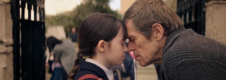 Noomi Rapace si v sci-fi thrilleri Seven Sisters zahrá sedem sestier, skrývajúcimi sa pred vládou vo svete, kde rodičia môžu mať len jedno dieťa