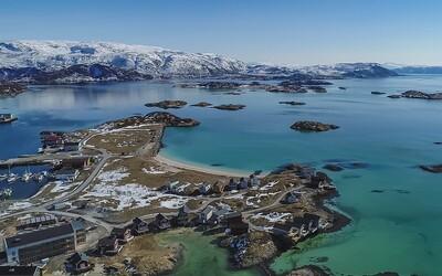 Norský ostrov chce zrušit koncept času. Lidi láká na svobodu, obyvatelé tam sekají trávník i ve dvě v noci