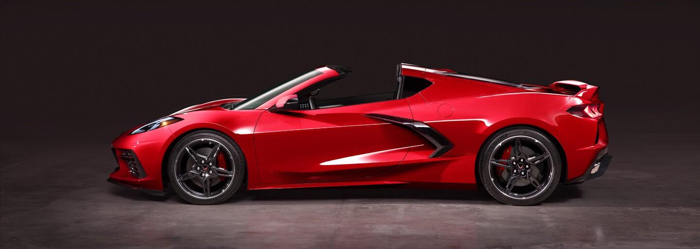 Nová Corvette je tu a s ňou aj revolučná zmena koncepcie. Silnou stránkou bude osemvalec a cenovka
