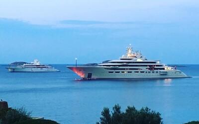 Nová největší jachta na světě patří ruskému miliardáři a může se pochlubit obrovskými rozměry