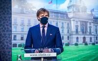 Nová opatření: Povinné respirátory v práci, do restaurace jen s certifikátem a konec testů zdarma