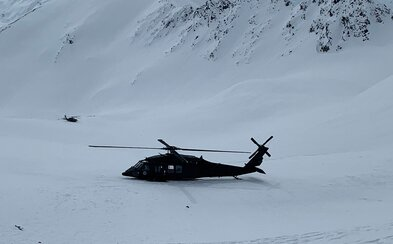 Nové informace o nehodě vrtulníku s Petrem Kellnerem. Ke kolizi došlo těsně pod hřebenem hory