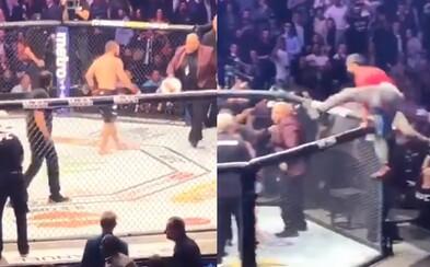 Nové video zachytilo, čo sa vlastne udialo po víťazstve Nurmagomedova nad McGregorom. Vyprovokovaný skok do publika začal sériu bitiek