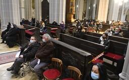 Nové výnimky: AG testy budú platiť do 11. apríla a ľudia budú môcť ísť do kostola individuálne