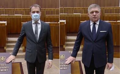 Noví poslanci NRSR skladajú sľub v maskách, niektorí aj v rukaviciach. Ustanovujúca schôdza je plná opatrení