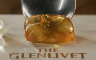 Novodobý způsob pití alkoholu? The Glenlivet přišli se skotskou whisky, která je v kapslích