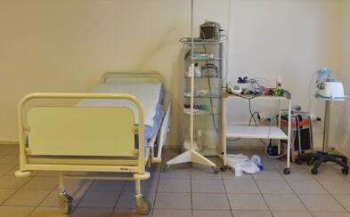 Novou obeťou koronavírusu na Slovensku je 67-ročný muž. Zomrel v Dunajskej Strede