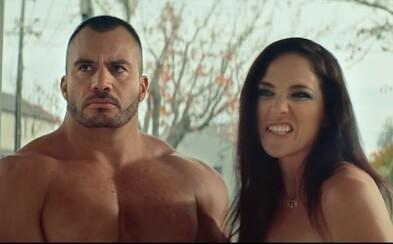 Novozélandská vláda natočila reklamu s nahými pornohercami. Upozorňujú mladých na nástrahy internetu