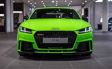 Zbrusu nové, limonádově zelené Audi TT RS se 400 koňmi jako nepřehlédnutelná pastva pro oči