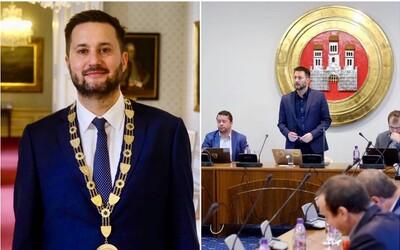 Nový bratislavský primátor Vallo bude zarábať 5316 € za mesiac. Plat mu schválili poslanci