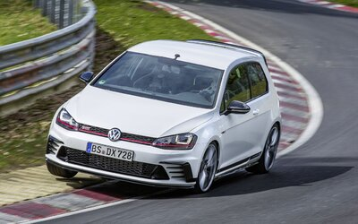 Nový Golf GTI Clubsport S dosáhl rekordu na Nürburgringu. Překonal i BMW M4, Gallardo či SRT Hellcat!