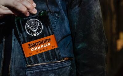 Nový Jägermeister v plastovém obalu je unikát, který z něj dělá bar do kapsy
