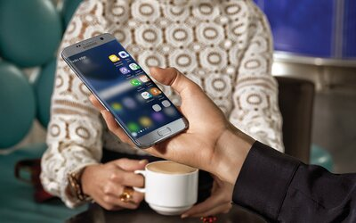 Nový král smartphonů je zde. Samsung Galaxy S7 a S7 edge přináší hezčí design, microSD i voděodolnost