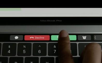 Nový MacBook Pro sa predáva ako teplé rožky. Konkurencia mu nestačí a dodávatelia Applu nestíhajú vyrábať