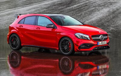 Nový Mercedes třídy A je realitou a s ním i nejsilnější kompaktní sportovní auto, 381koňové AMG A 45!