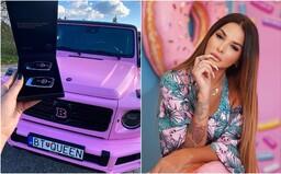 Nový Mercedes Zuzany Plačkovej za približne 200-tisíc eur je už hotový. Nechala si ho nafarbiť naružovo