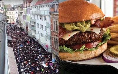 Nový podnik chtěl přilákat zákazníky na burger za jeden cent. Přišlo ale 3 000 lidí a musela zasáhnout policie