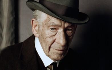 Nový trailer k filmu Mr. Holmes ti představí Sira Iana McKellena jako slavného britského detektiva